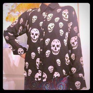 Black & white silky skull shirt. Halloween